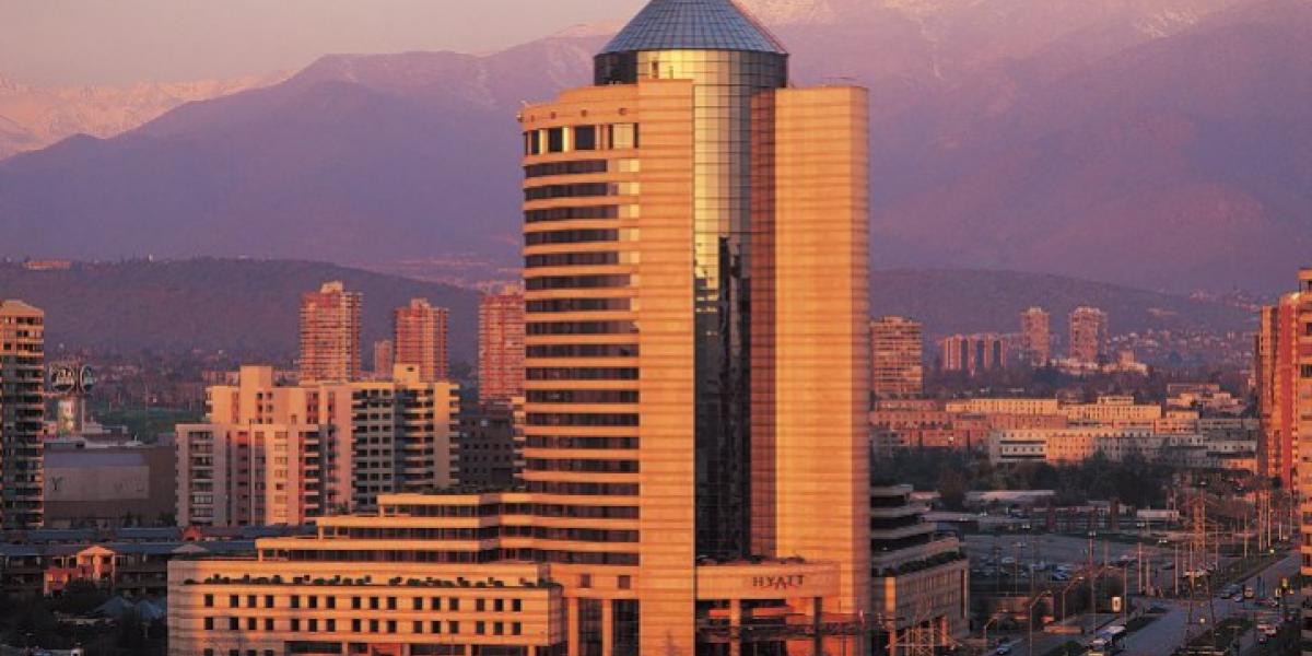 Familia Saieh traspasa administración del Hyatt de Las Condes a cadena asiática