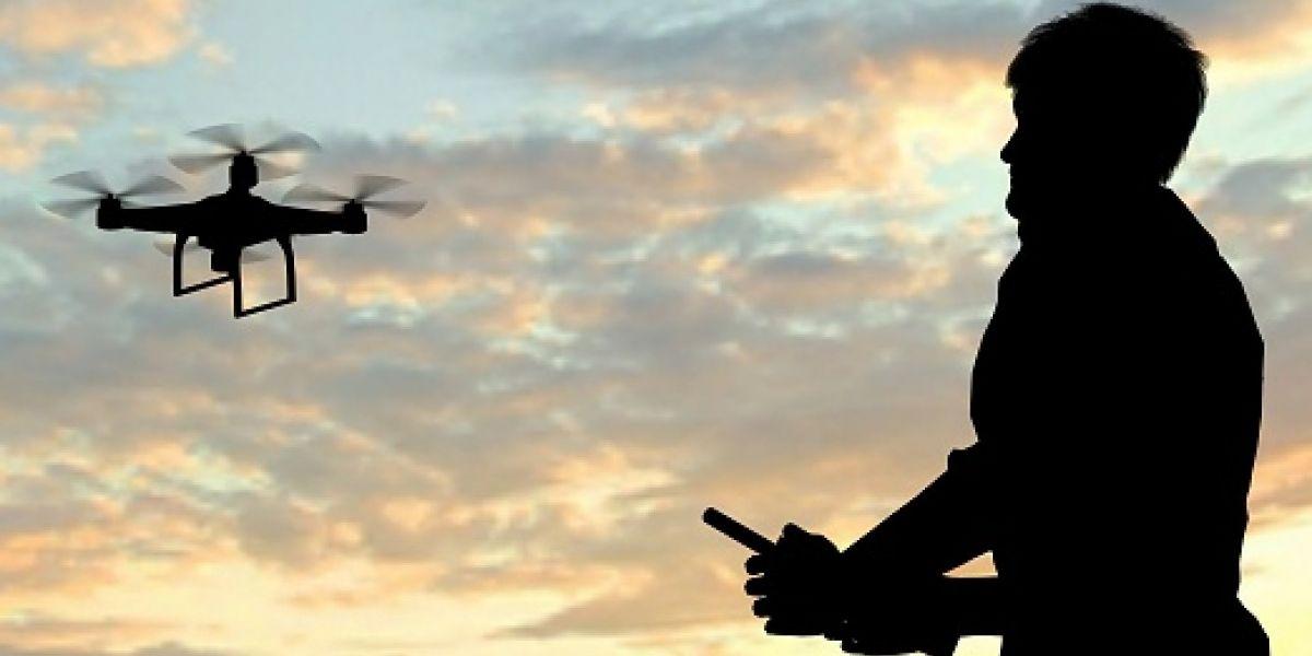 Evalúan proyecto para regular uso de drones en la isla