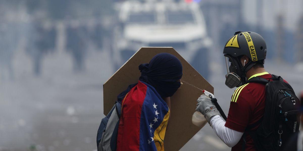 Con la muerte de un joven, ya van 38 fallecidos en protestas en Venezuela