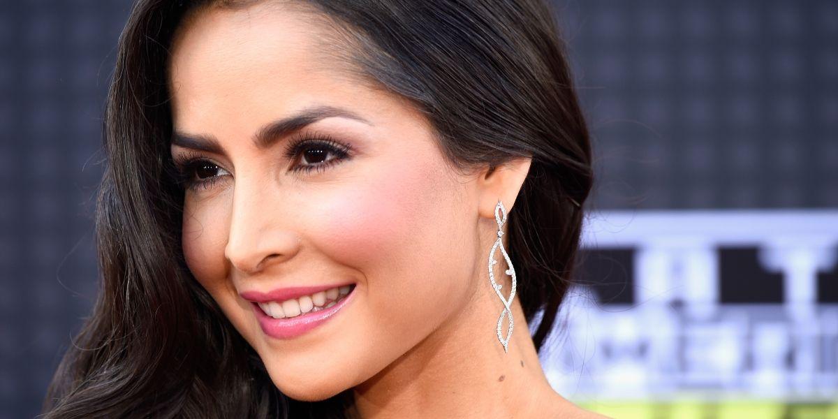Carmen Villalobos enloquece a sus seguidores con sensual baile