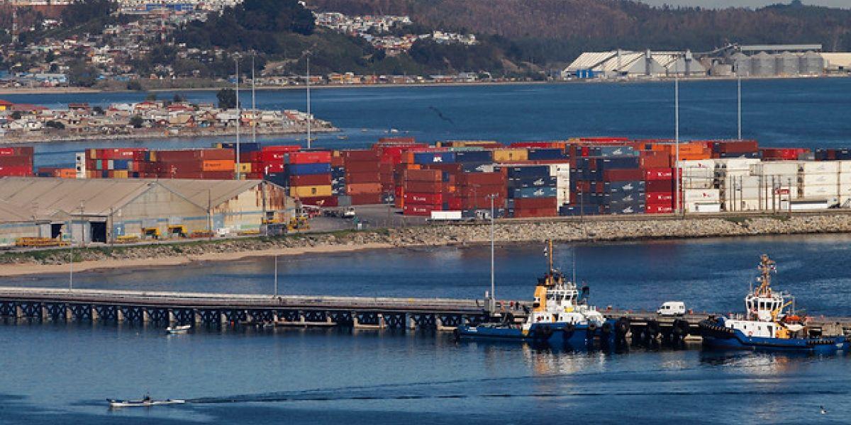 Tragedia en el Biobío: trabajador muere arrollado por grúa en pleno puerto de Lirquén