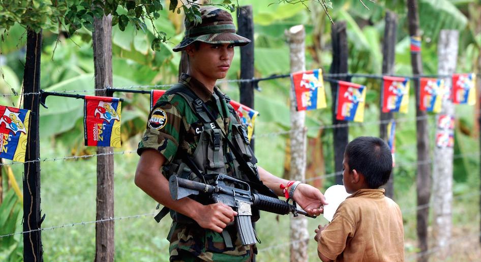 Indígenas, en peligro por disputa de grupos armados, dice Defensoría
