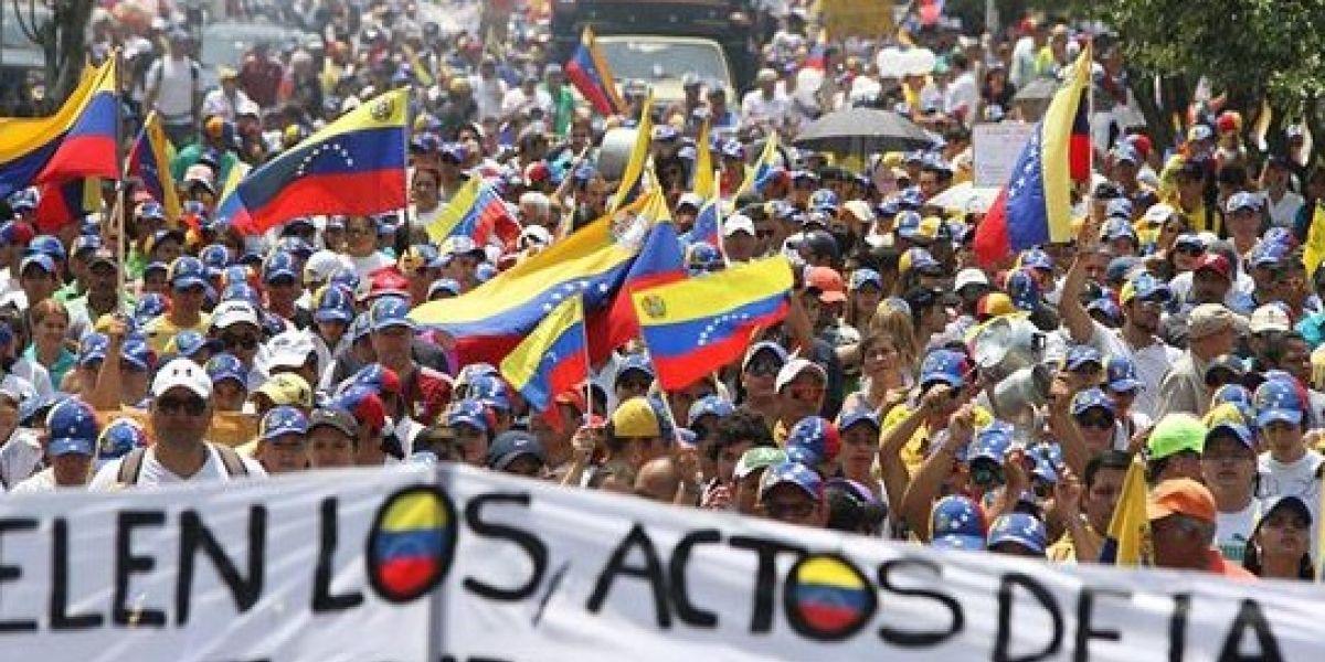 """Embajadora de EEUU ante la ONU pidió a Maduro """"respetar la constitución de Venezuela y la voz de su gente"""""""