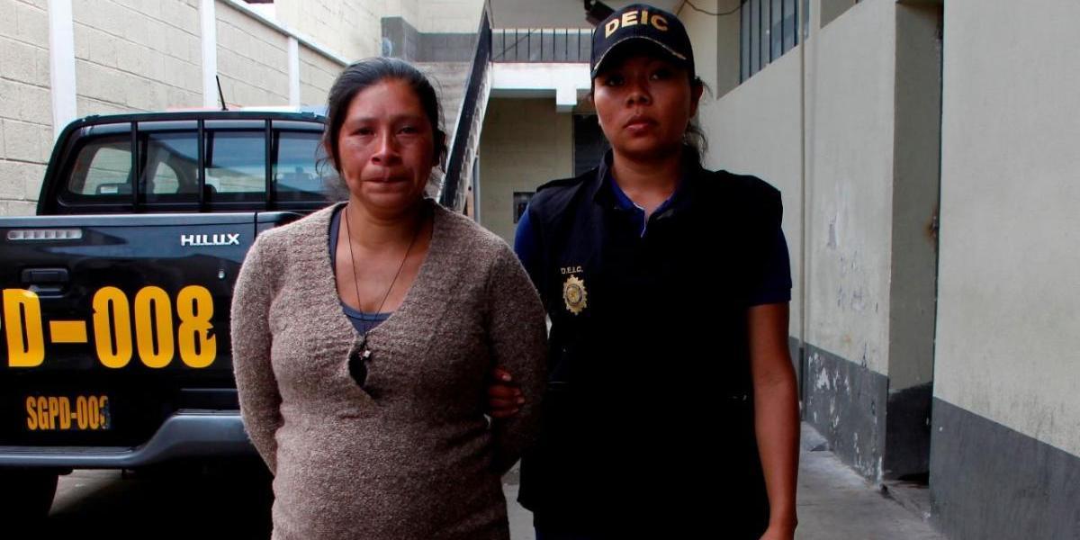 En Jalapa, capturan a mujer que abortó y lanzó al feto en una fosa séptica