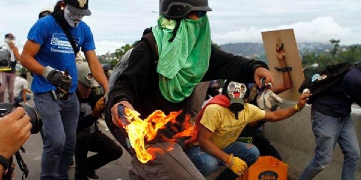 Oposición protesta contra represión en Venezuela
