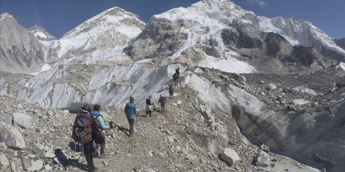 Muere alpinista que trataba de batir récord en el Everest