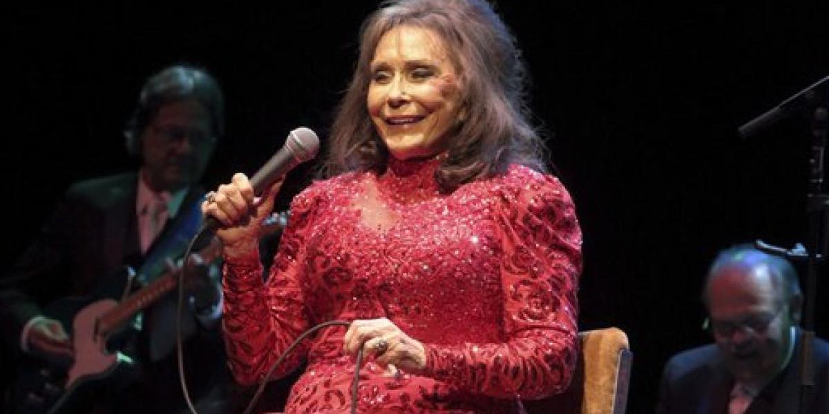 En condición crítica la cantante Loretta Lynn