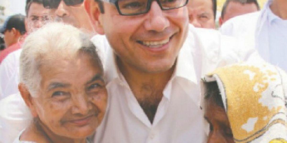 Manuel Baldizón está de cumpleaños ¿Qué le desearías?