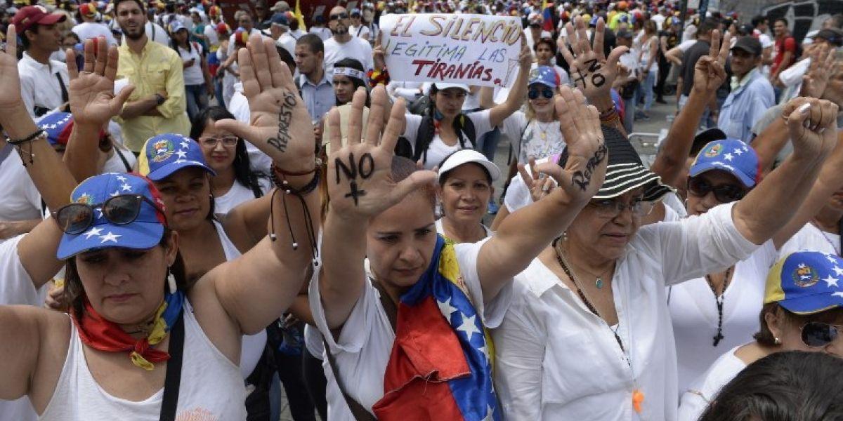 """""""Mujeres contra la represión"""": Venezuela registra una nueva jornada de protestas contra la violencia"""