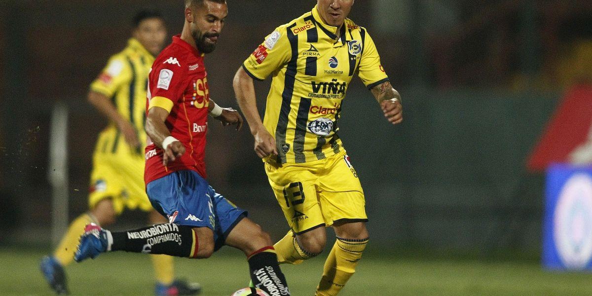 Cristián Suárez quiere quedarse en Everton y le cierra las puertas a la U