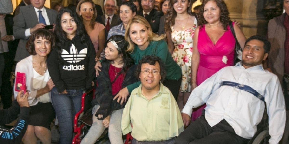 Angélica Rivera promoverá obras de artistas con discapacidad por todo el país