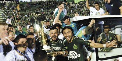Catarinense: Mancini diz que título fortalece processo de reconstrução da Chapecoense