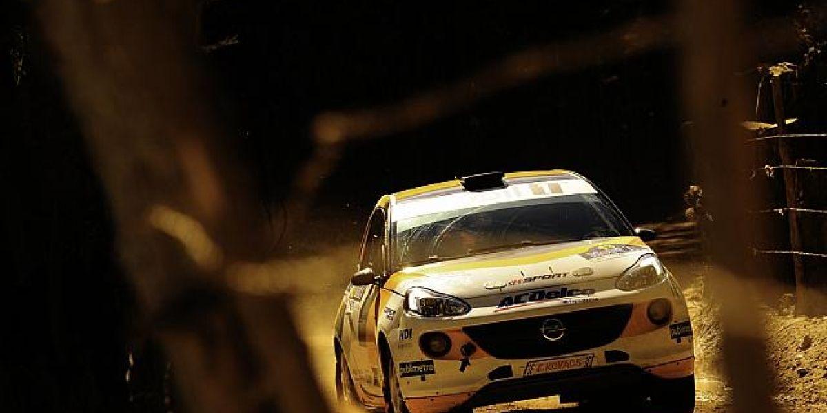 Eduardo Kovacs se sube al podio en la R2 en el RallyMobil de Concepción