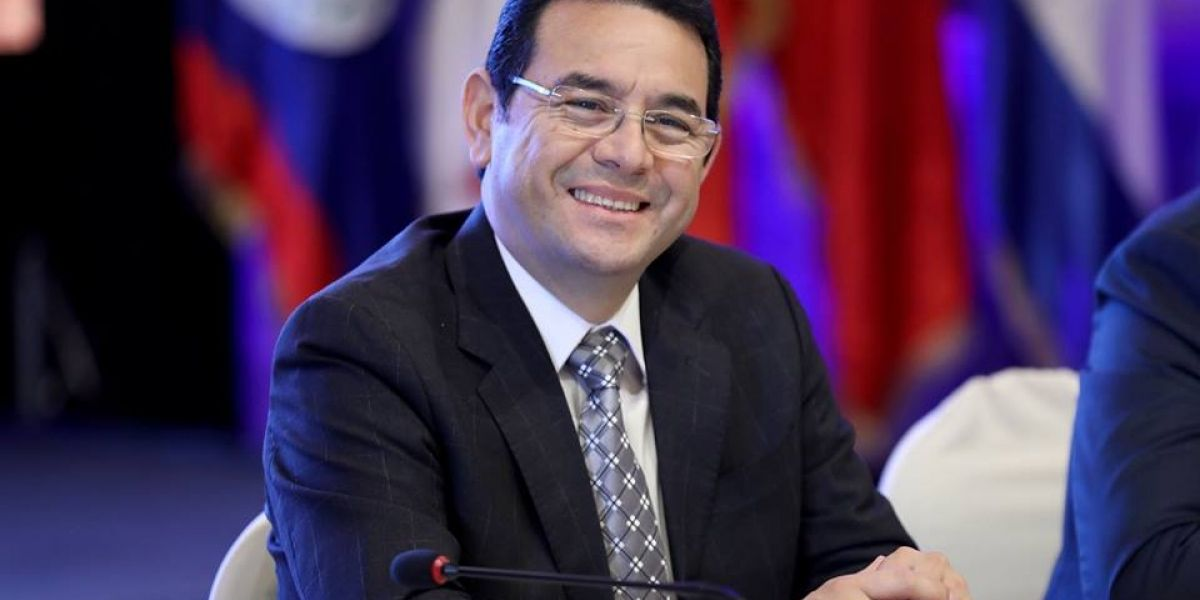 Jimmy Morales felicita al nuevo presidente francés, Emmanuel Macron
