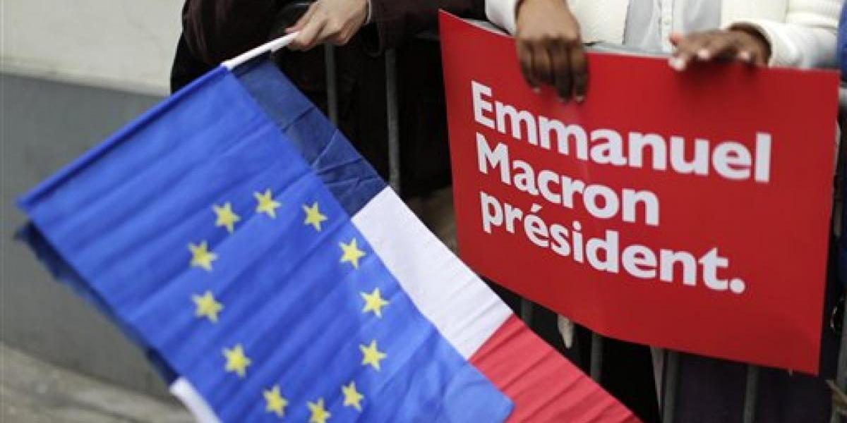 Líderes políticos felicitan a Macron