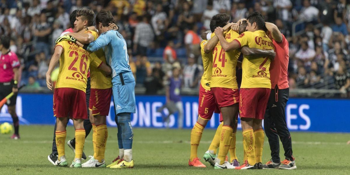 Morelia vence a Monterrey y se salva del descenso