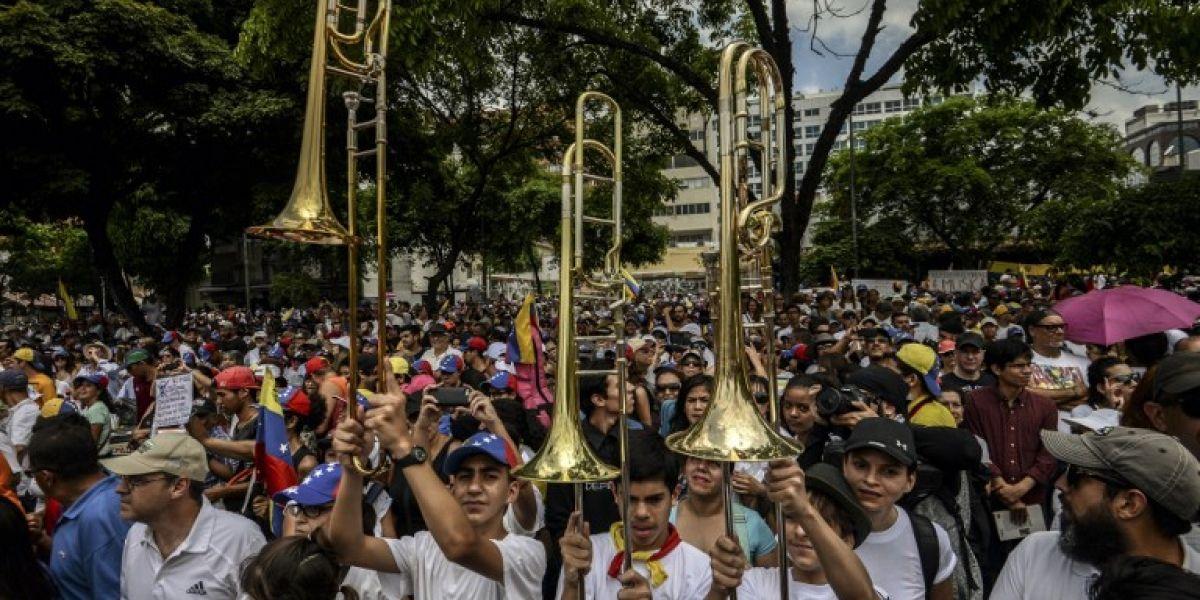 Artistas y músicos venezolanos marcharon contra las muertes en protestas