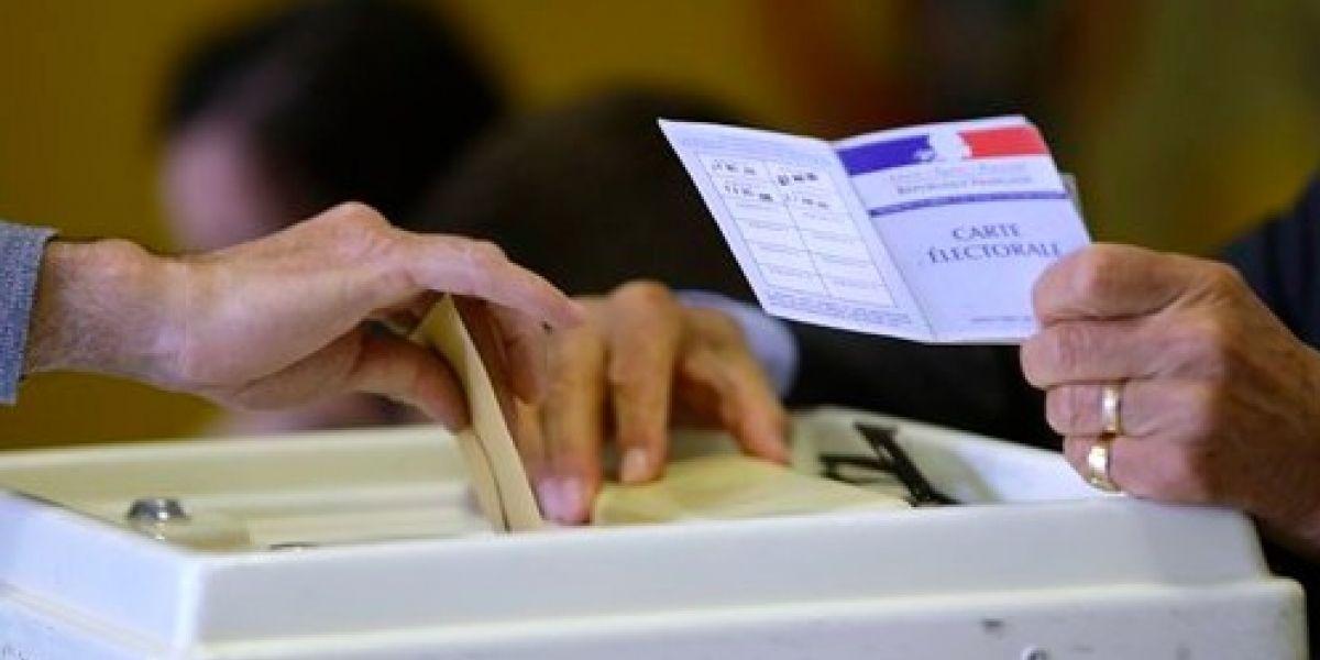 Ya están votando los franceses por su nuevo presidente o presidenta