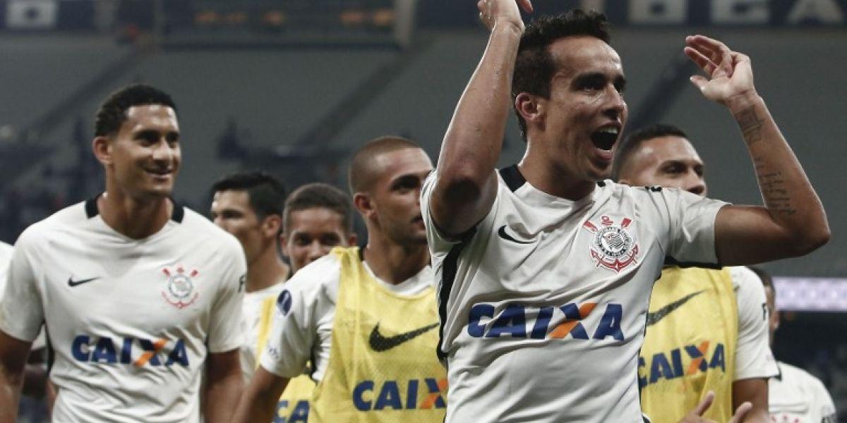 Corinthians visitará a la U como el flamante campeón del Paulista