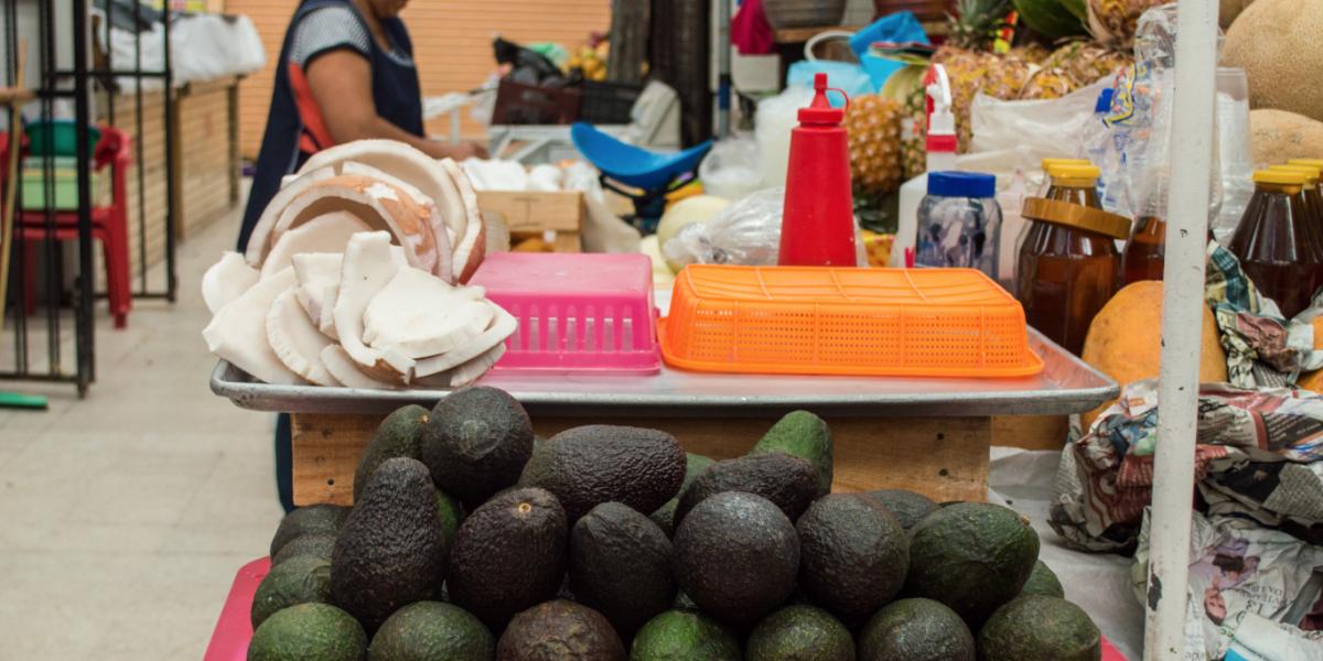 Aguacate sube hasta 10 pesos y limón desciende en mercados del país