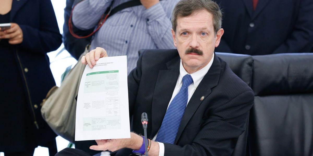 Romero Hicks se destapa como candidato del PAN a la presidencia