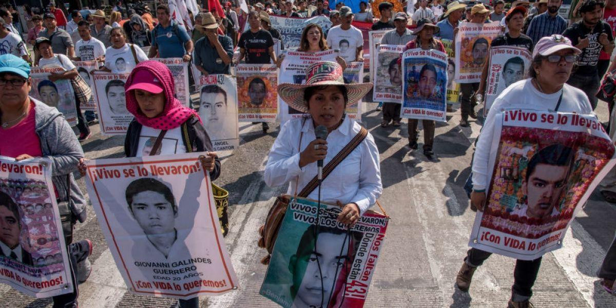 Realizarán nuevos sobrevuelos en Iguala para localizar a los 43 normalistas