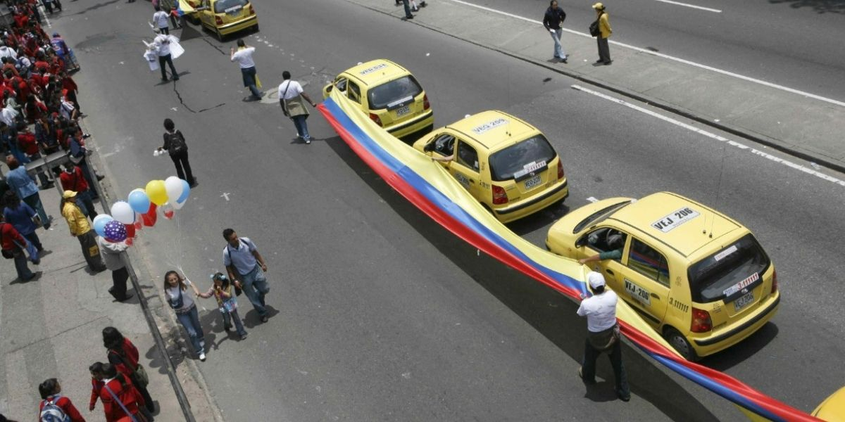 Taxistas organizaron paro para esta semana en rechazo a Uber