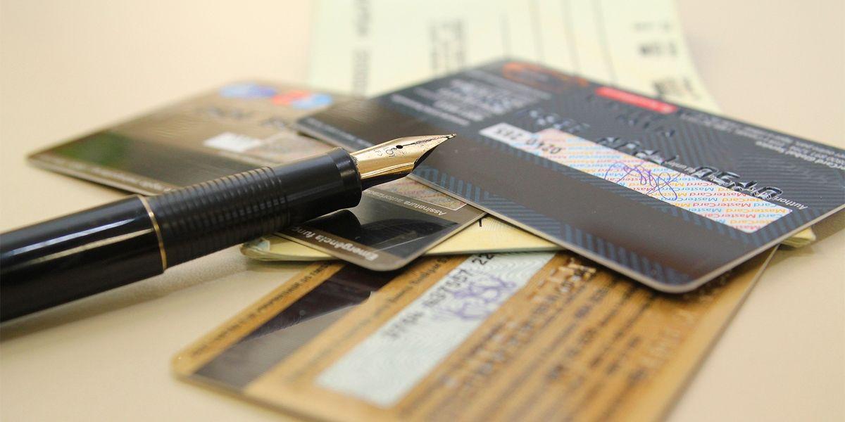 Um em cada quatro usuários de cartão de crédito entrou no rotativo em fevereiro