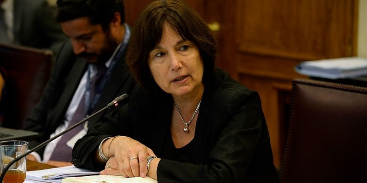 Ministra Castillo deberá volver a la Cámara para explicar muertes por lista de espera Auge