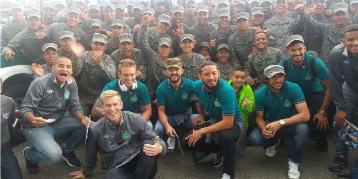 Así fue el recibimiento del equipo Chapecoense en Medellín
