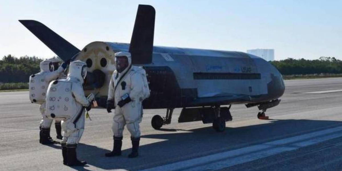 La nave más enigmática de EEUU regresa a la Tierra tras una misión secreta de dos años