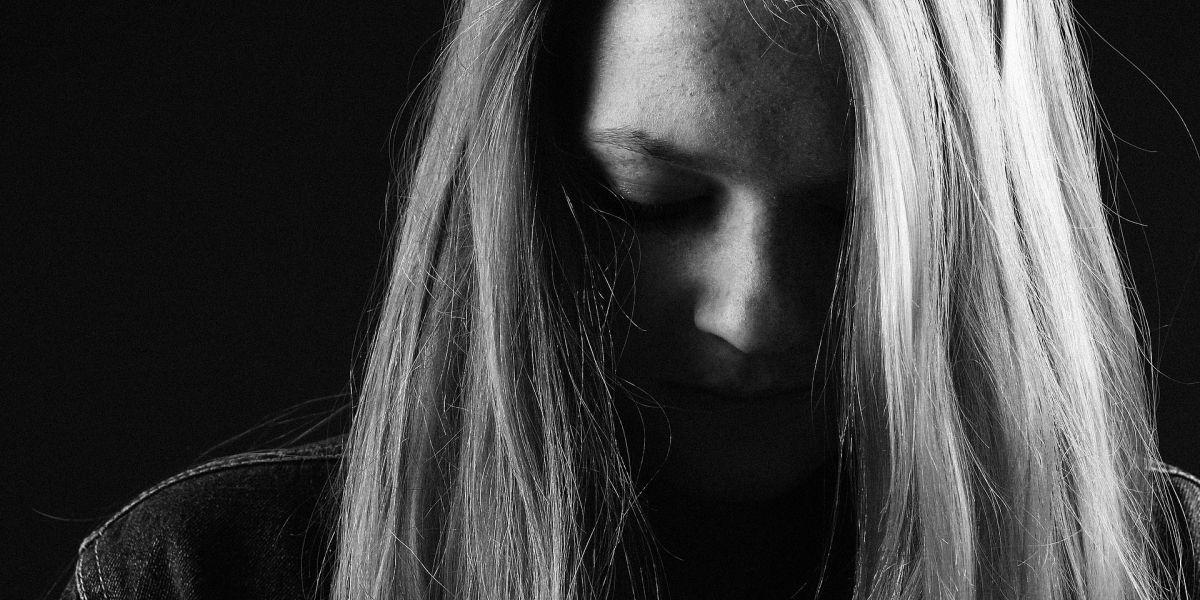 Policías salvan a joven que trató de suicidarse por Facebook Live