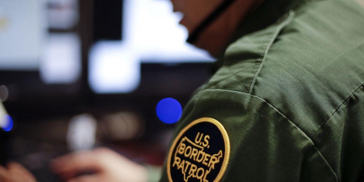 SRE lamenta promulgación de ley contra migrantes en Texas