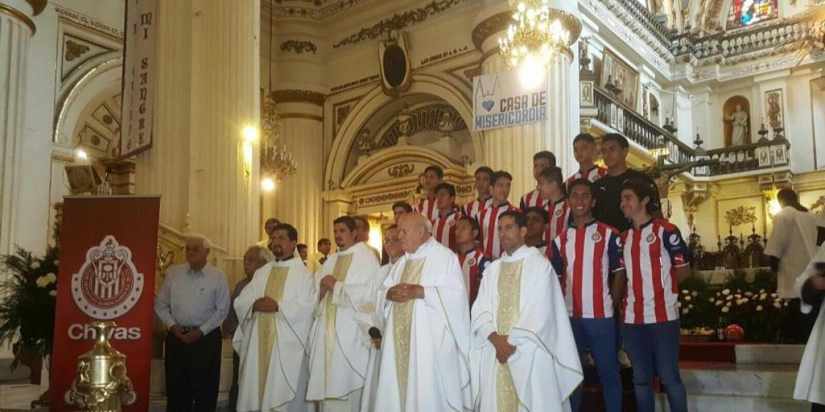 Chivas celebró misa en Catedral por su aniversario 111