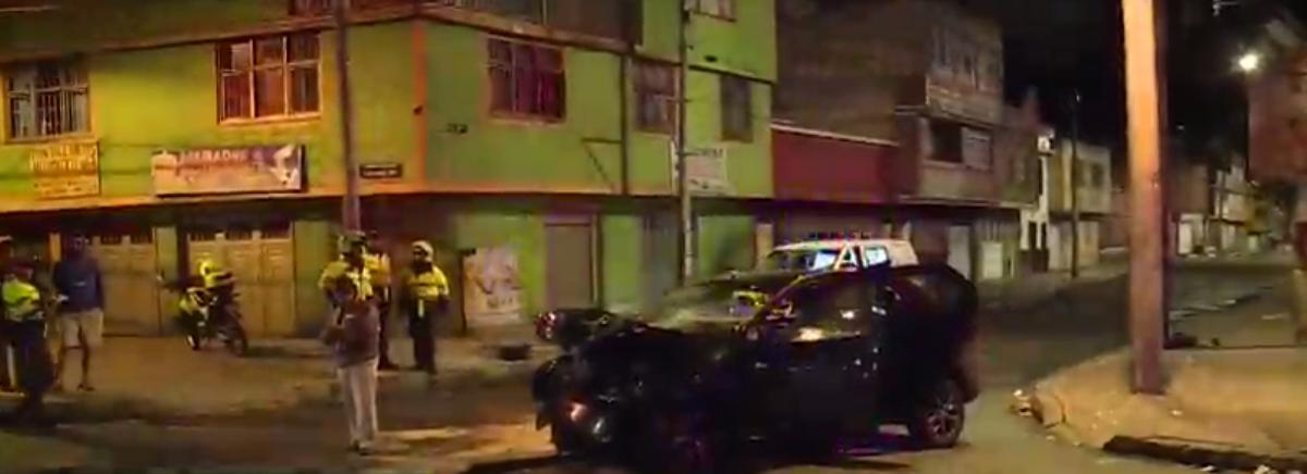 Hombre abandonó a cuatro menores tras chocar con un camión de carga