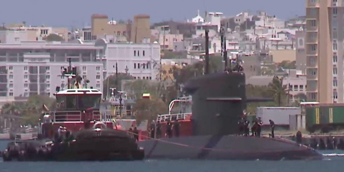 Captan submarino en muelle de San Juan