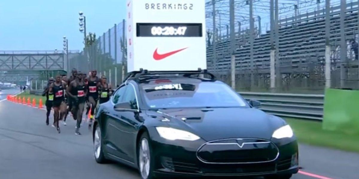 Cómo un Tesla ayudó a intentar bajar las dos horas en el maratón
