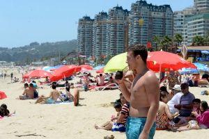 Sernatur destaca que turismo generó a Chile ingresos por más de US$ 3.000 millones en 2016