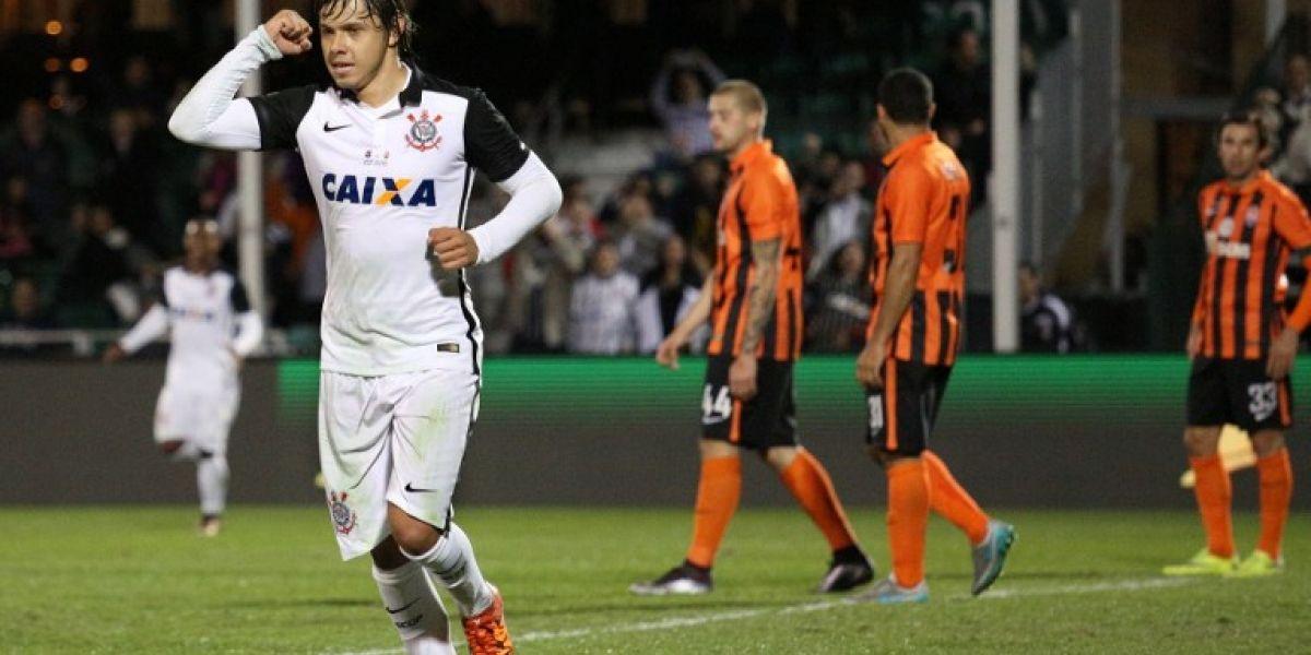 """Delantero de Corinthians: """"Será complicado por lo que significa la U jugando de local"""""""