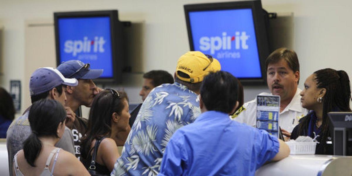 Caos en un aeropuerto de Florida por vuelos cancelados