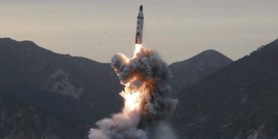 China asegura que probó un nuevo misil cerca de la península coreana