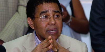 El presidente Medina destituye a Diandino