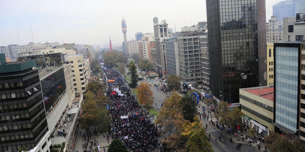 Marcha Confech: revisa las principales postales de las manifestaciones en Santiago y Valparaíso
