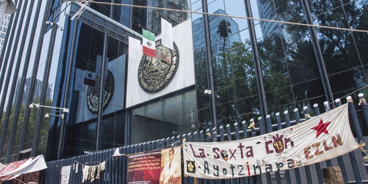 Diálogo entre padres de los 43 y Segob fue productivo: Vidulfo Rosales