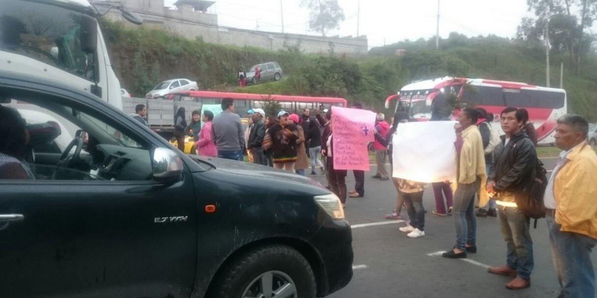 Norte de Quito tuvo tráfico pesado protesta en la avenida Simón Bolívar