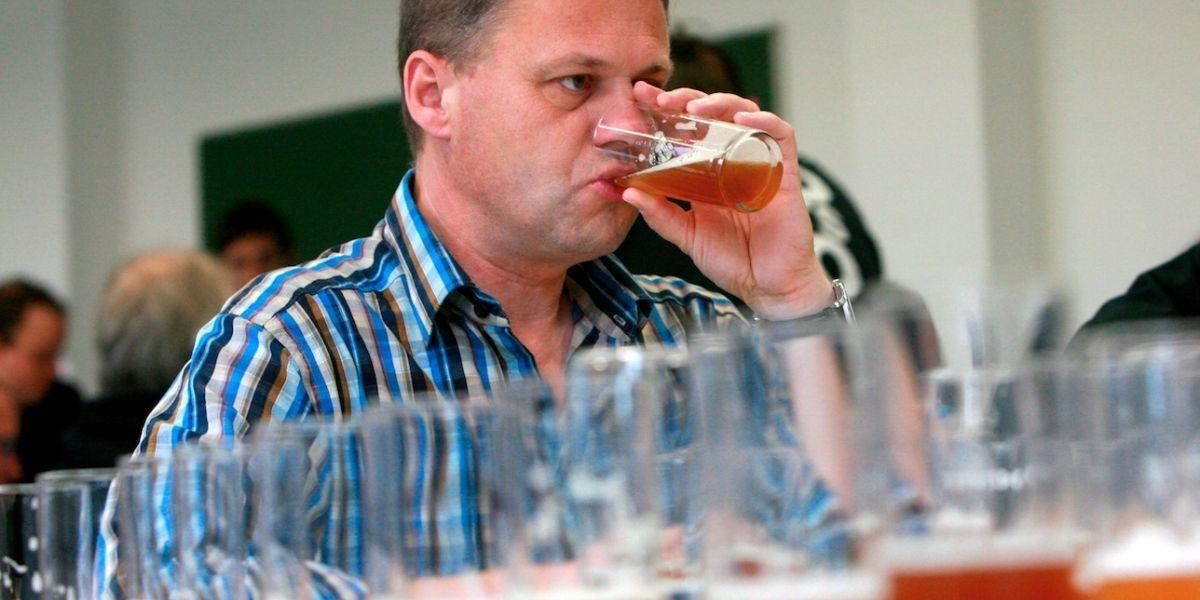 Empresa está buscando persona que quiera trabajar tomando cerveza