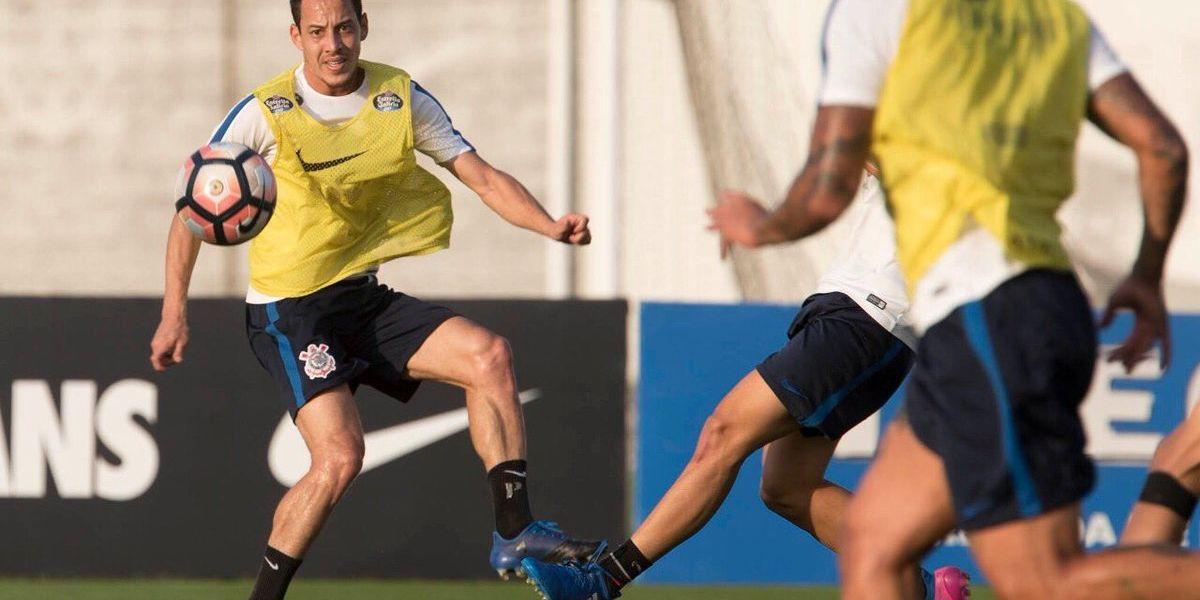 Corinthians viene a enfrentar a la U con plantel completo tras recuperar a dos figuras