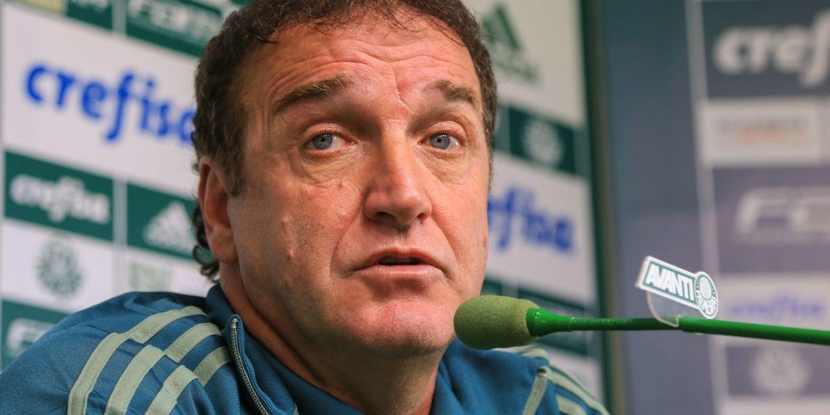 Cuca pede pés no chão no Palmeiras e vai observar reservas contra a Chapecoense