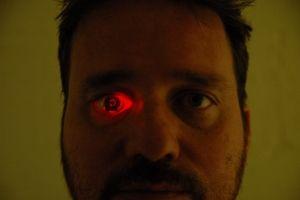 Conoce a 'Eyeborg', el hombre con una cámara en vez de un ojo