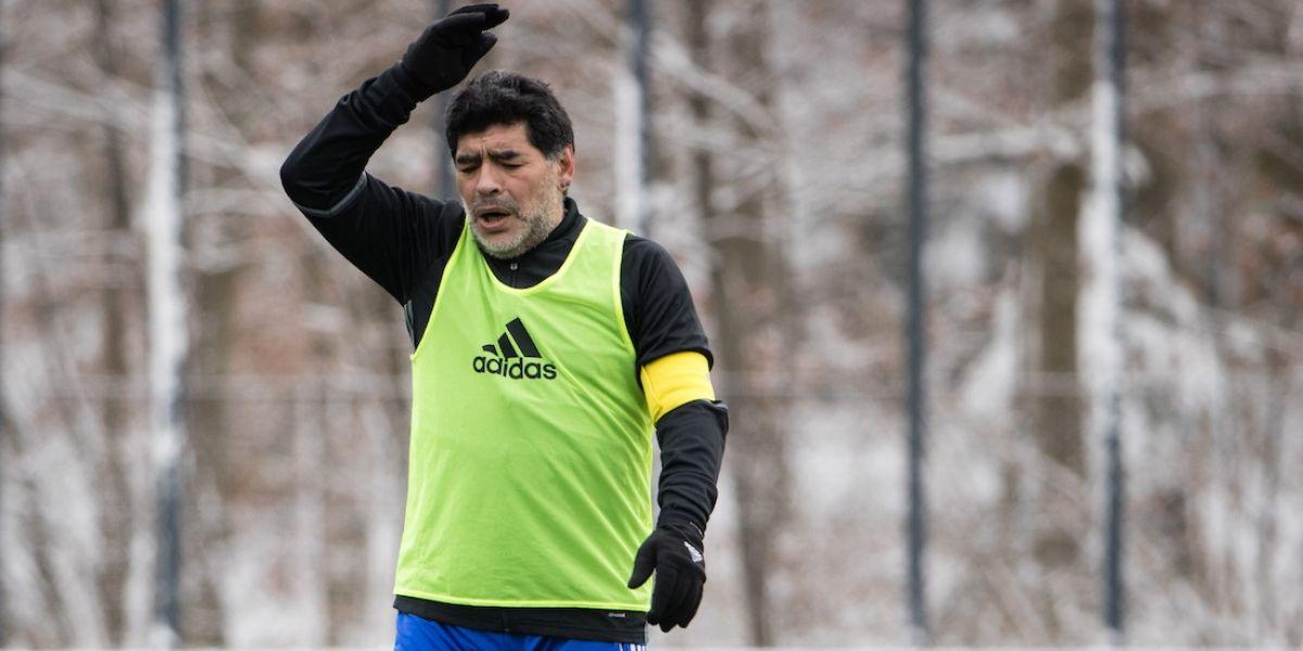 """Maradona califica de """"incoherente"""" la anulación de la sanción a Messi"""